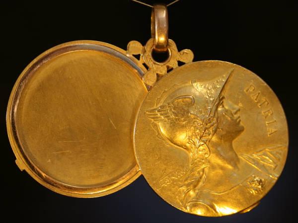 Big Golden Late Victorian French Medallionlocket Signed. Santa Medallion. A�os Medallion. Honor Medallion. Pendant Medallion. Vector Illustration Medallion. 10k Solid Gold Medallion. San Lazaro Medallion. Necklace Medallion