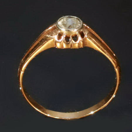 Elegant one stone rose cut diamond ring in 14K red gold by
