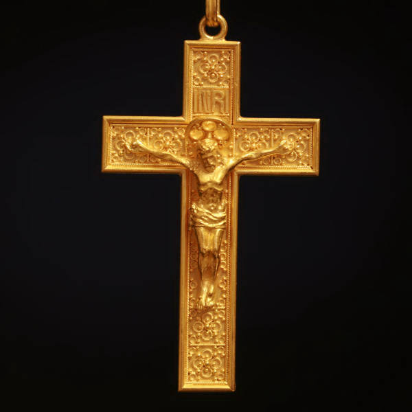 Victorian cross, beautiful elaborated neo Etruscan gold crucifix from Italy