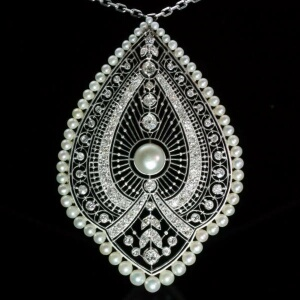 Edwardian natural pearls Princess necklace
