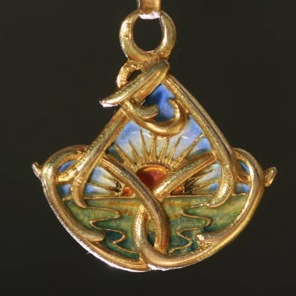 French gold Art Nouveau pendant with plique a jour enamel (emaille a fenetre)