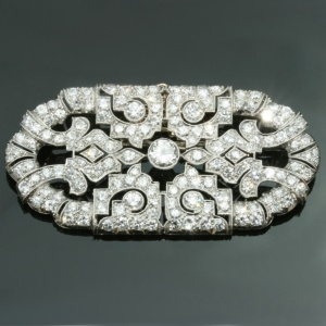 Platinum Art Deco brooch with over 9 carat diamonds