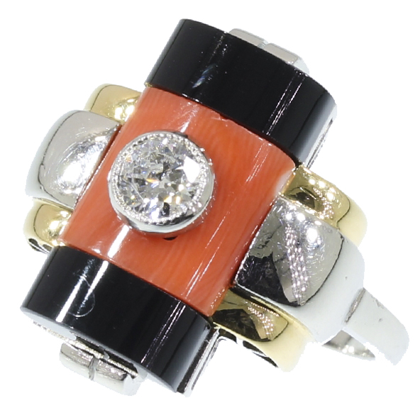 Super strong design platinum Art Deco diamond ring with onyx and coral