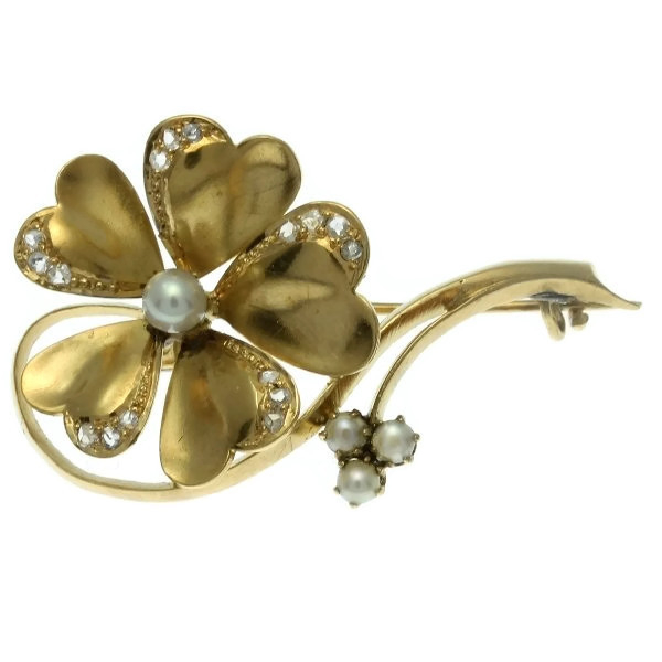Victorian gold flower brooch antique jewelry with rose cut diamonds and pearls