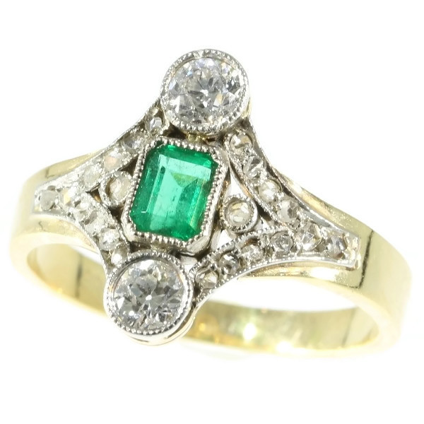 Late Victorian diamond and emerald engagement ring Description by