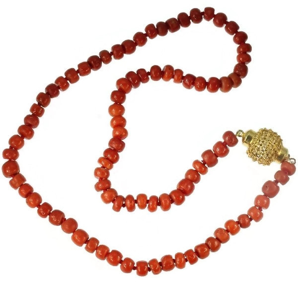 Dutch Victorian antique coral bead necklace with gold filigree closure