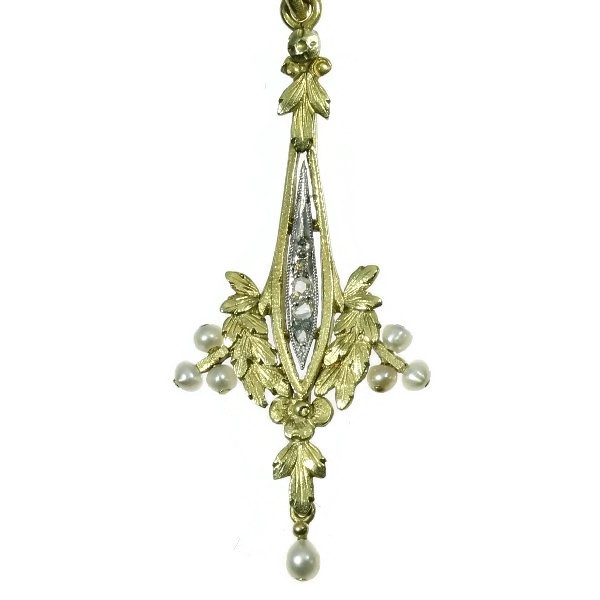 Antique Dutch gold pendant with diamonds and pearls