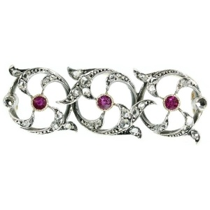 Victorian bar brooch with rose cut diamonds and rubies