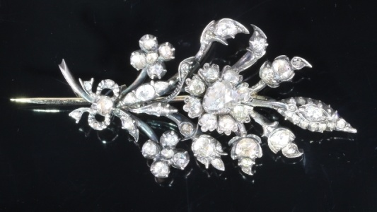 Antique 19th Century moving trembleuse flower brooch with rose cut diamonds