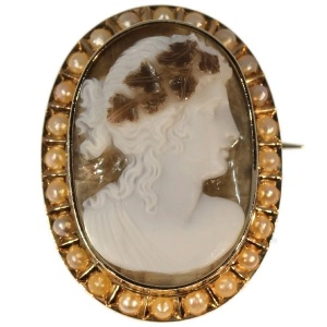 Antique chalcedony agate cameo in gold mounting with half seed pearls