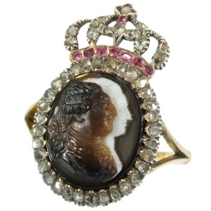 Late 18th Century cameo gem-set ring depicting Louis XVI and Marie Antoinette