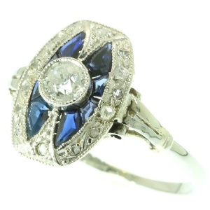 Engagement ring Art Deco sapphire and diamonds