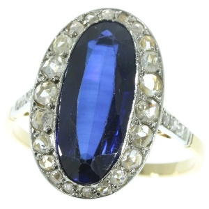 Fashionable oval sapphire and diamond bicolour gold engagement ring - anno 1920