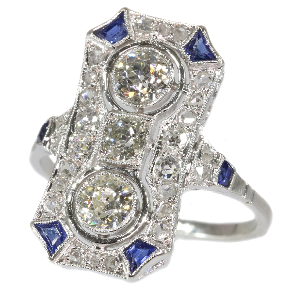 Typical Art Deco platinum diamond engagement ring