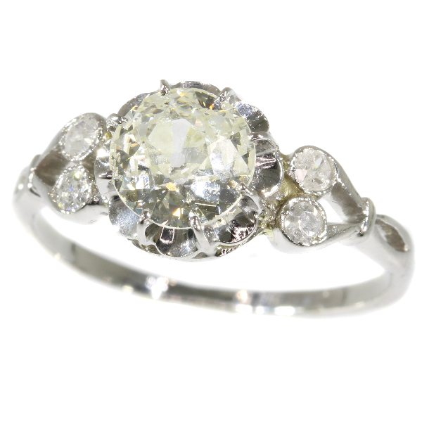 Belle Epoque diamond engagement ring a so called solitair
