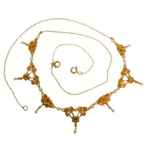 Romantic antique necklace with rose garlands and orient seed pearls