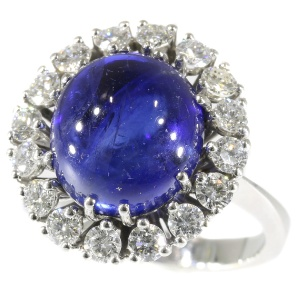 Vintage Lady Di ring with big 7.11 crt natural untreated sapphire