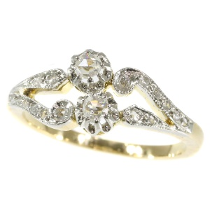 Antique diamond engagement ring from the Belle Epoque era a so called toi et moi