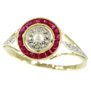 French Art Deco ring with rubies, diamonds and a pearl