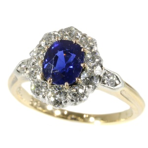 Late Victorian diamond engagment ring with beautiful Burma sapphire