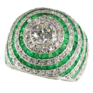 Magnificent diamond and emerald platinum Art Deco ring