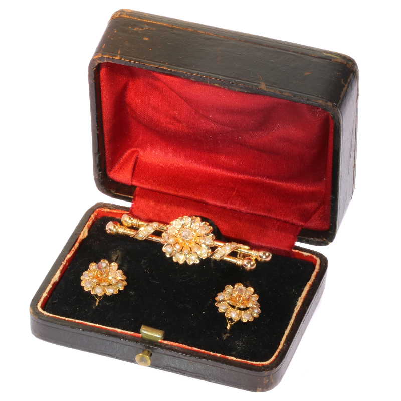 Antique gold parure - earrings and brooch in original jewelers box