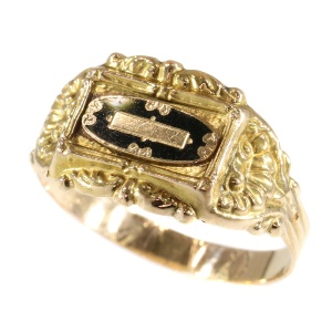 Unisex rare antique enameled ring from 1840