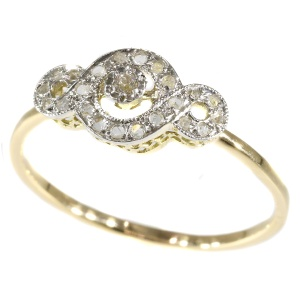 Charming diamond Art Deco ring