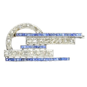 Strong design real Vintage Art Deco diamond and sapphire brooch in platinum