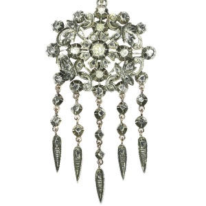 Victorian antique pendant with rose cut diamonds set in foil  - anno 1850