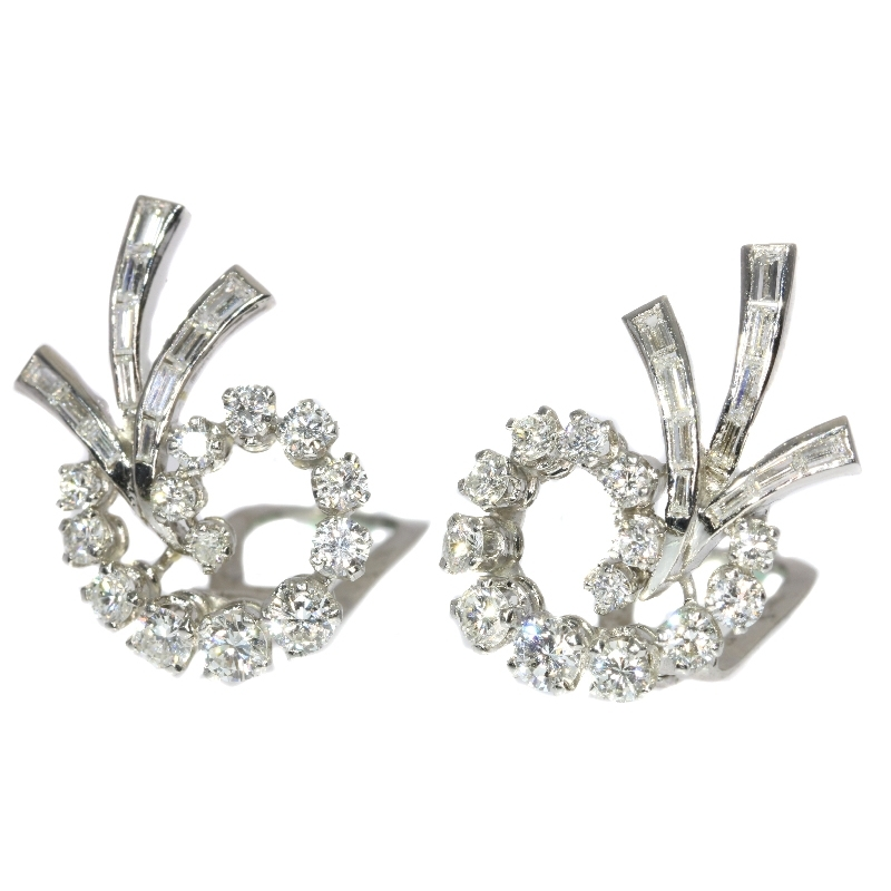 Beautiful diamond platinum clip earrings ca. 1950
