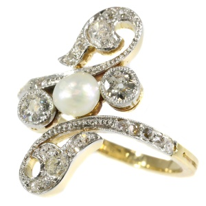 Elegant late Victorian diamond and pearl ring