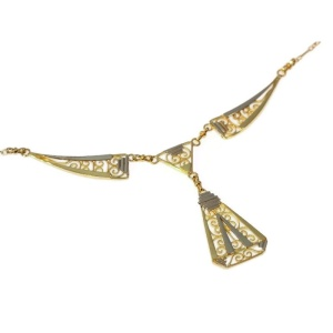 Art deco filigree necklace from the twenties in bicolor gold.