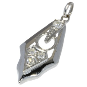 White gold Art Deco inspired pendant with diamonds (ca. 1940)