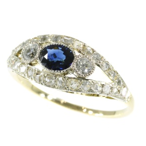 Belle Epoque vintage ring with diamonds and sapphire