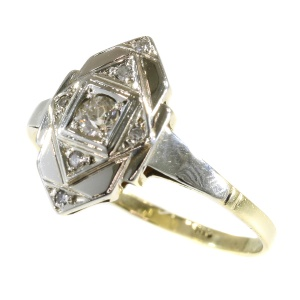 Charming original vintage Art Deco diamond ring