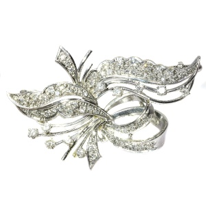 White gold floral diamond brooch from the fifties (ca. 1950)