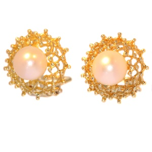 Elegant pearl gold clip earrings (ca. 1970)