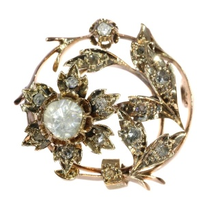 Antique Dutch gold brooch set with many rose cut diamonds