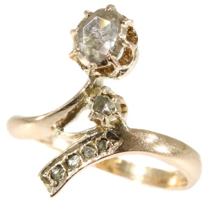 Floral antique Victorian gold diamond ring (ca. 1900)