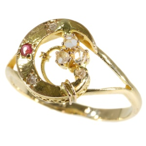 Victorian gold crescent moon shaped ring (ca. 1880)