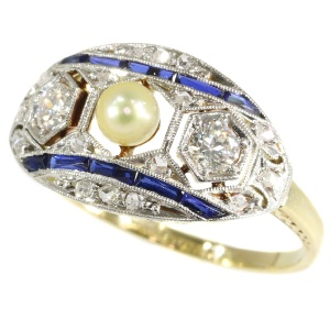 Original Art Deco engagement ring with diamonds, sapphires and a pearl