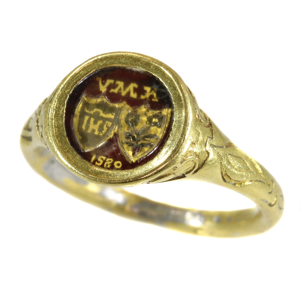 Renaissance brotherhood ring with two coat of arms behind transparant window