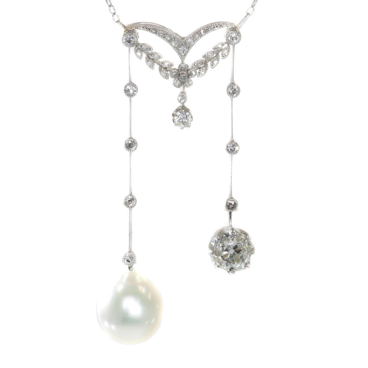 Elegant French Belle Epoque platinum diamond pearl necklace so-called négligé