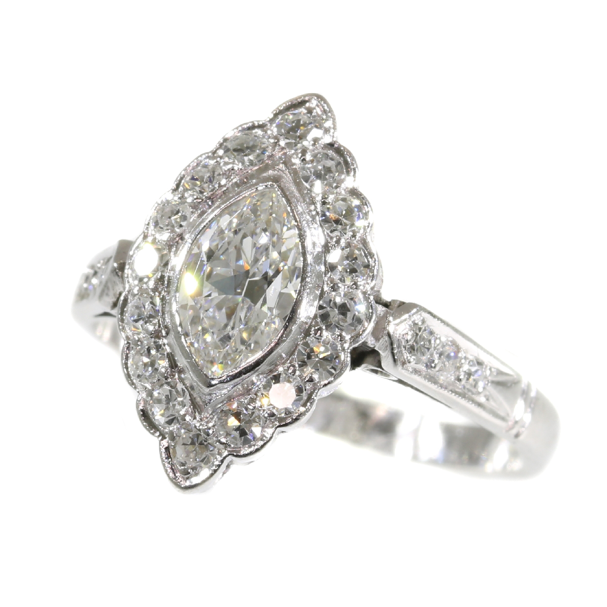 Vintage Fifties platinum engagement ring with diamonds