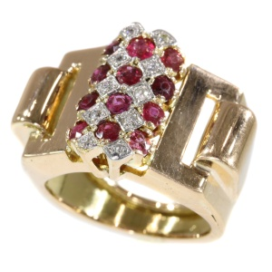 Vintage Retro or Fifties ring in pink gold with rubies