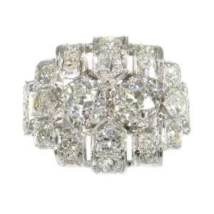 Strong design Art Deco platinum diamond engagement ring