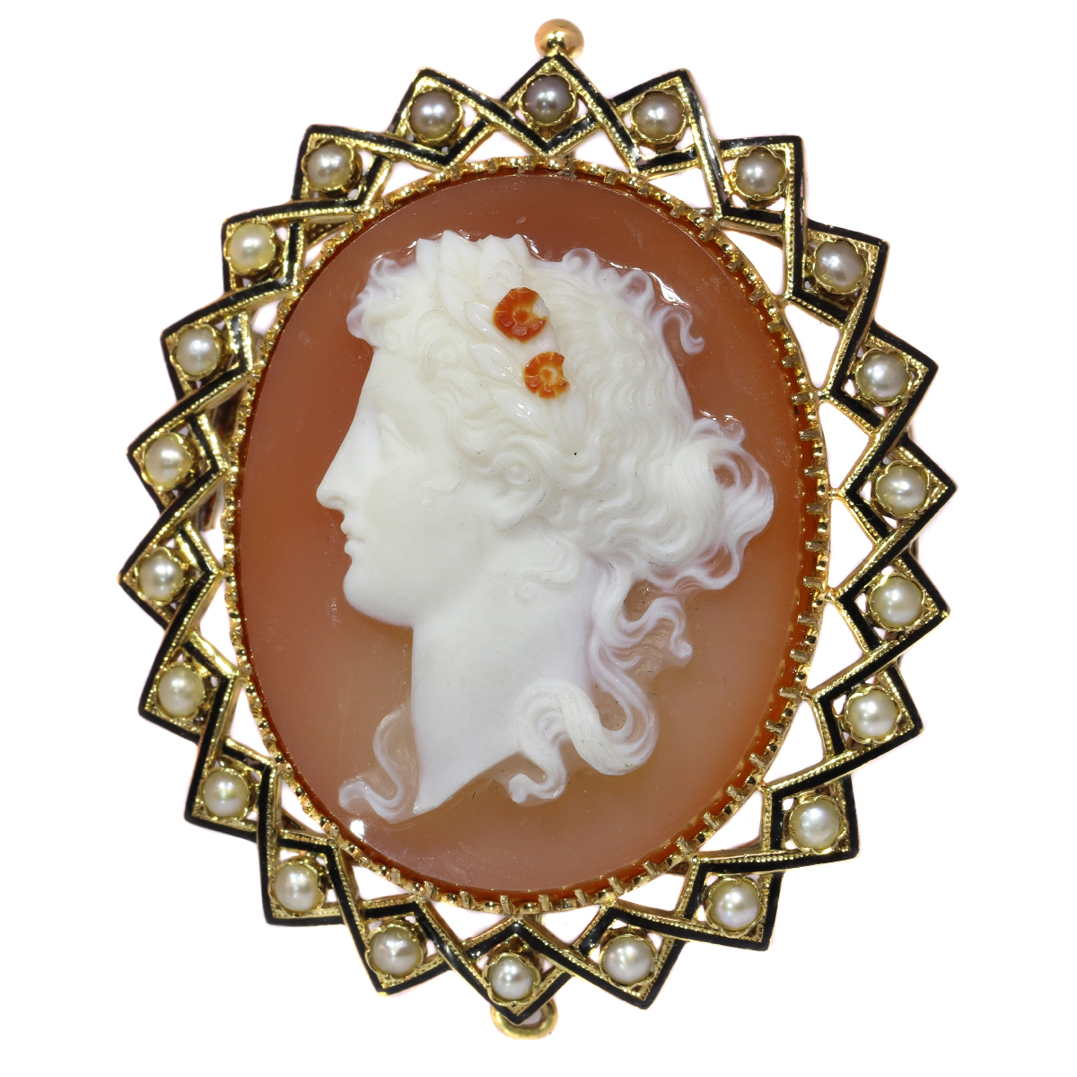 Victorian hard stone cameo in gold mounting with half seed pearls black enamel
