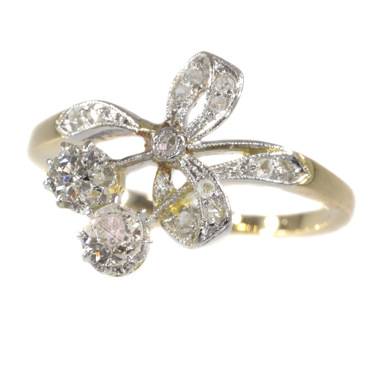 Charming Belle Epoque ring with diamonds