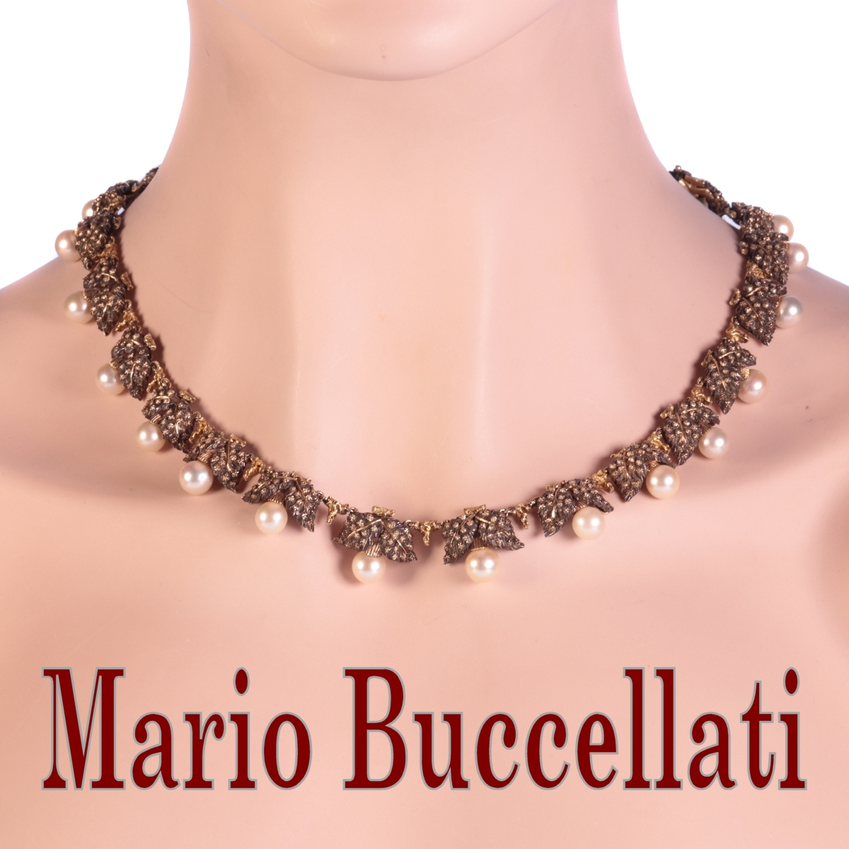 Mario Buccellati Vintage Fifties gold and silver pearl neck jewel necklace with grape leaf motive